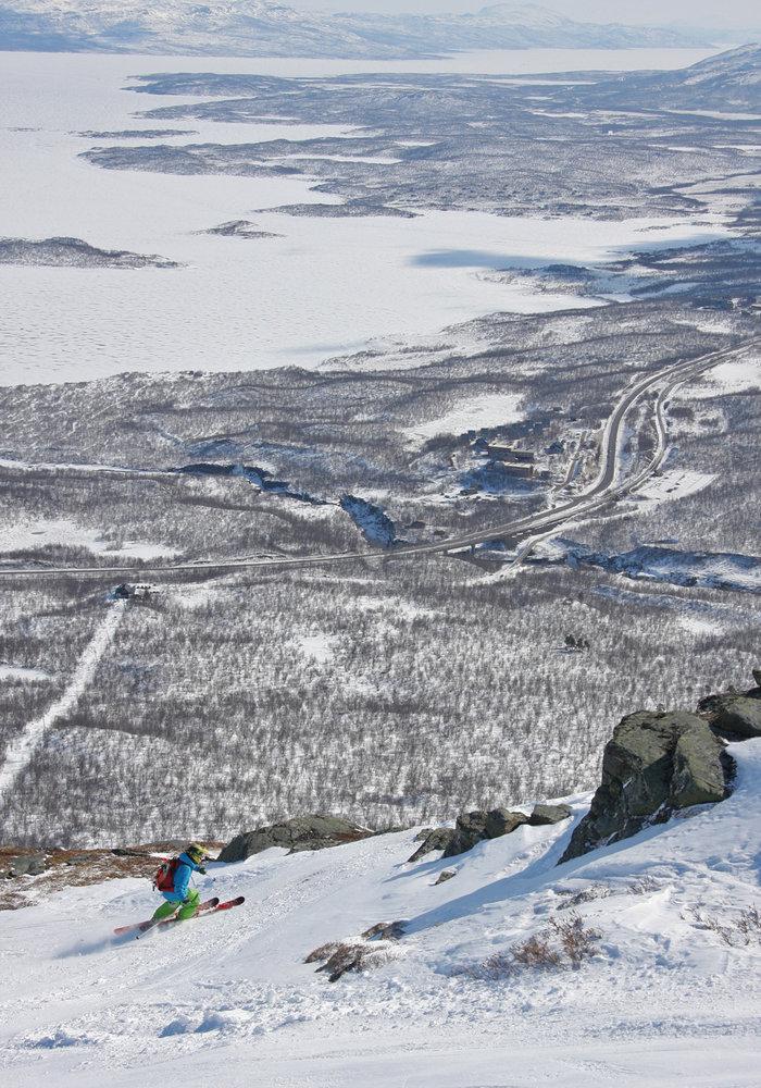 Sex begravdes i sno efter lavin i norge