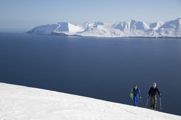 Bergen vid Islands längsta fjord Eyjafjörður är som skapta för toppturer.