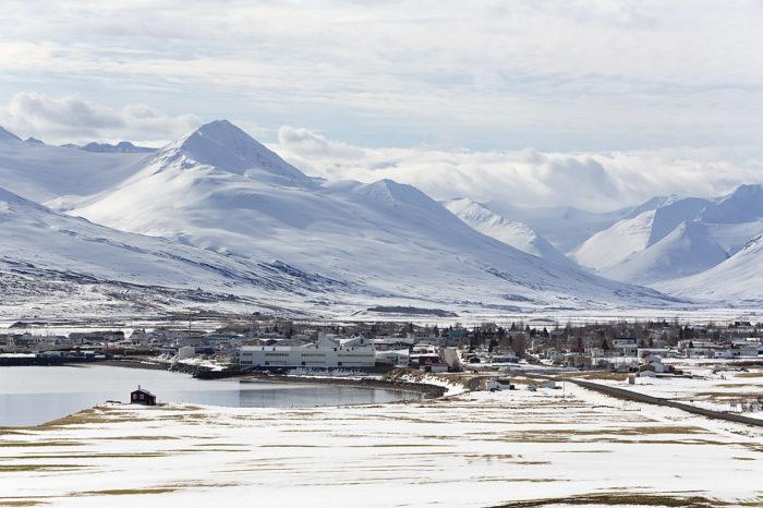 Dalvik på norra Island är ett fiskesamhälle med en gryende skidkultur där turer och heliski står i fokus.