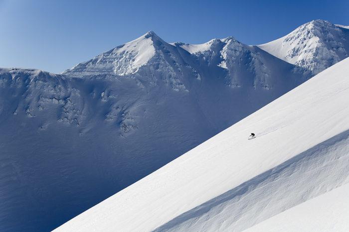 Fredrik Andersson prövar farten i Islands stora vinterlandskap.