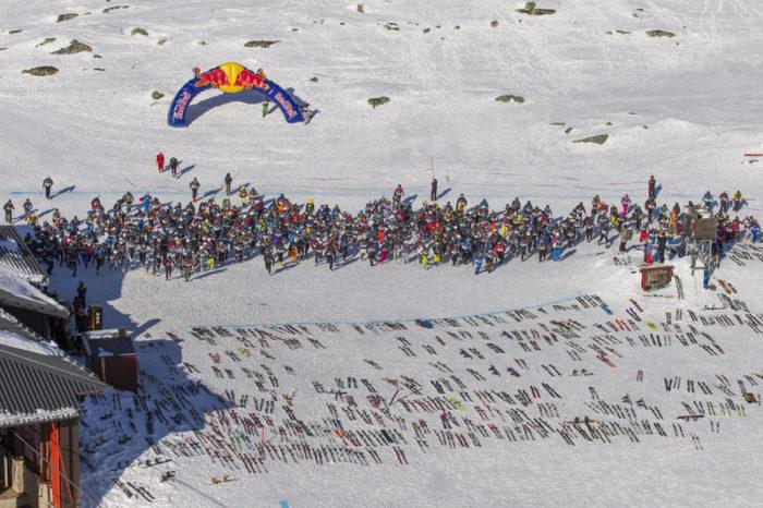 Det gäller att ha koll på var ens skidor ligger bland 500 andra par.
