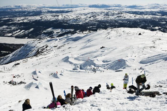Det är lite snålt med snö uppe på Skutan i år så Freeridehelgen flyttas ner till Bräcke.