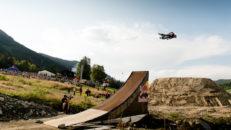 Flygturer under cykelfest i väst