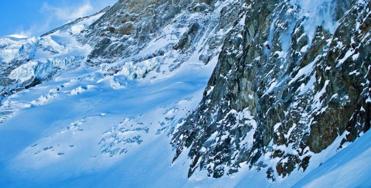 Wille seglar likt Ikaros ut över en av världens mest legendariska klippor