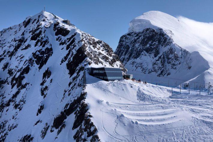 Klein Matterhorn, högst liftburen skidåkning i Europa.