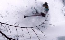 Kolla in: DPS plöjer puder i Mt Baker