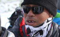 Tiger Woods får tanden utslagen i skidbacken