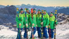 Unga åkare utmanar skicrosslandslaget