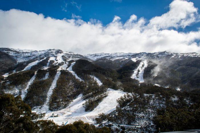 Efter 30 centimeter snö kom solskenet till Thredbo, som öppnar till helgen.