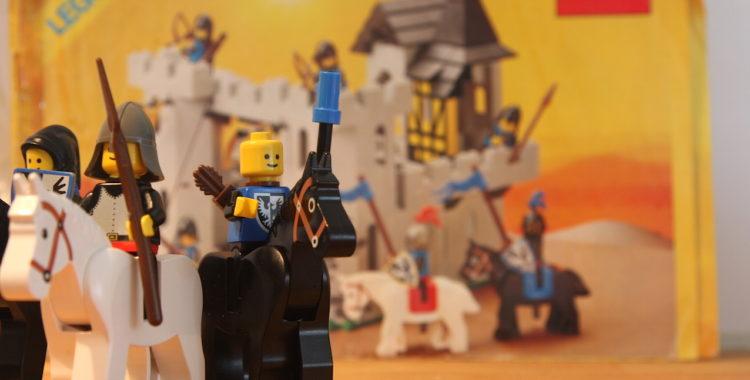 Lego. Absolut roligt men inte lika kul som skidåkning