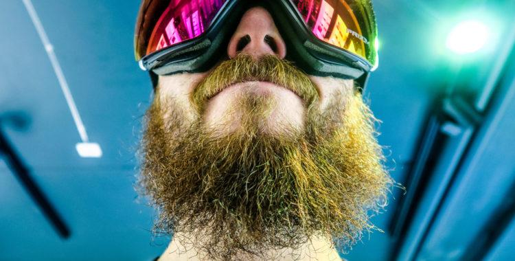 Ett frodigt skägg, anledning till utanförskap enligt författaren.