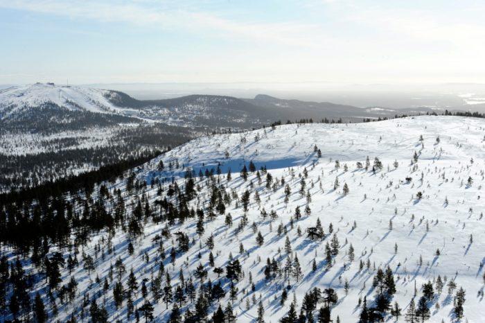 Flygbild över Idre Himmelfjäll med Idre Fjäll till vänster