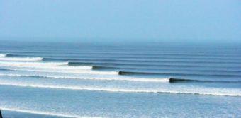 Chicama rullar nerför en 2 kilometer lång udde.