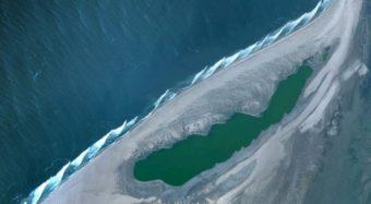 Skeleton Bay från rymden