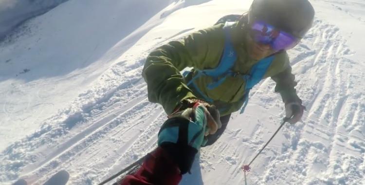 Per Spett taggar upp med kameramannen Alexander Rydén inför volten.