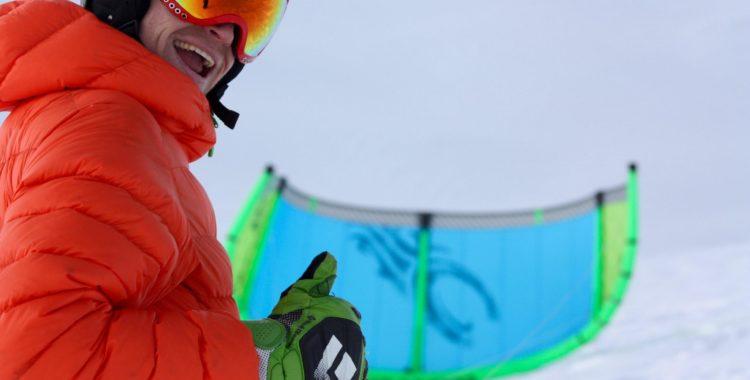 Jens rockar själv en tubkite, men rekommenderar ändå foilkite för snö.