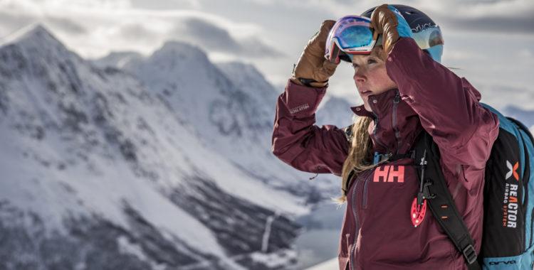 Helly Hansens Aurora Shell Jacket i sitt rätta element.