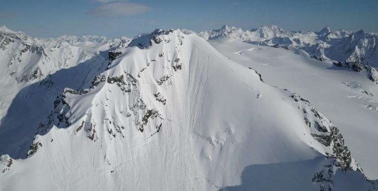 Nat Segal åker ett stort face i Alaska i filmen