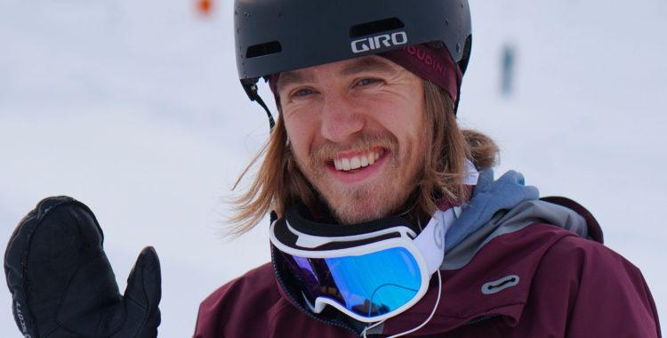 Säg hej till din nya studsmatte-coach Gustav Kjellstrand från SnowCamp.