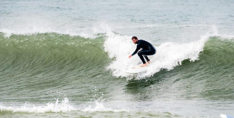 Maj månad, dags att byta ut skidorna mot surfbrädan.