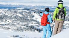 I dessa skidorter fortsätter liftarna att snurra i maj