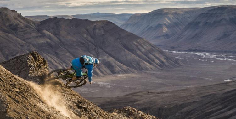 Darren Berrecloth & Co drog till en arktisk ö med riktigt stora linjer för MTB.