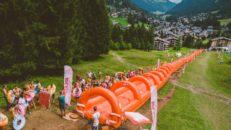 Europas längsta uppblåsbara vattenrutschbanan finns i Alperna