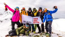 Vorarlberg Österrike: Schnitzel, ost, snö och bergstoppar