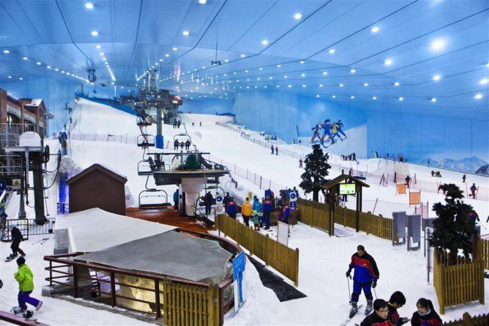 En överblick över Ski Dubais pistar.