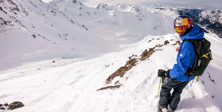 Höga berg och kallsnö i Vorarlberg.