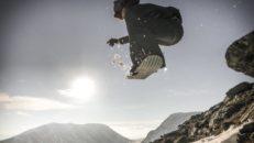 Världens första och fetaste big mountain snowskate-edit?
