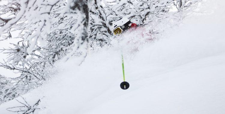 Robin Elfsberg prickar ett snöfall på Tännäskröket!