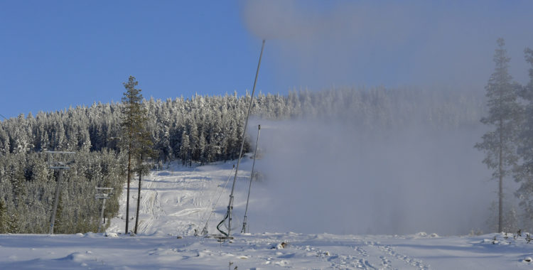 Premiär för snöproduktionen i nya skidorten Idre Himmelfjäll.