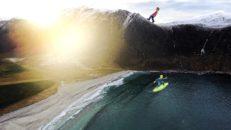 Freeride testar surf i Hoddevik, Norge