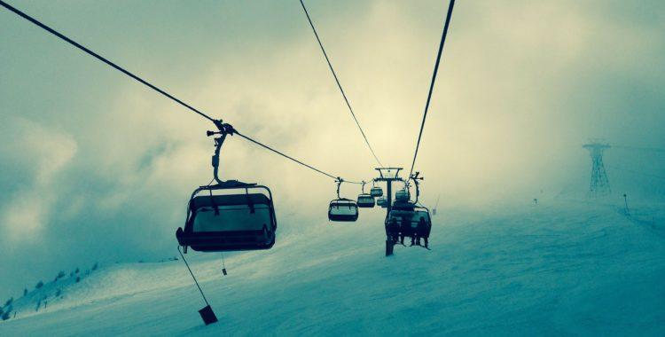 Måste vi verkligen ha så bråttom med att börja åka skidor?