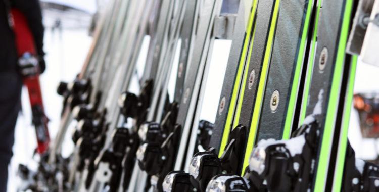Varför är alla skidor så förbannat tråkiga?