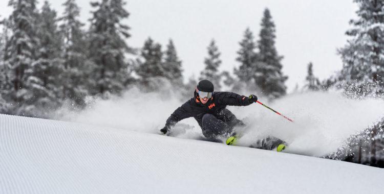 Emil Johansson dundrar på i Idre Himmelfjäll som är den första nya svenska skidorten på mer än tre decennier.