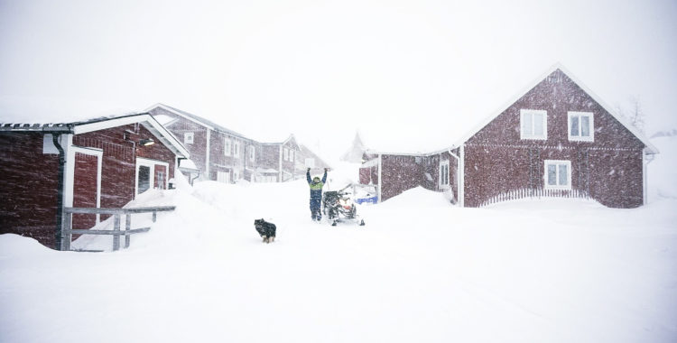 Snöbrist i stora delar av landet, men inte i Riksgränsen.