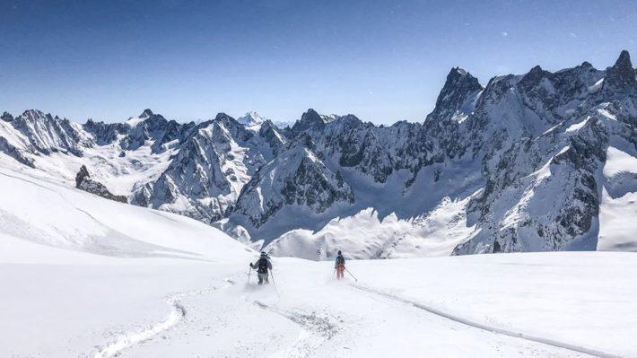 Två skidåkare i Chamonix.