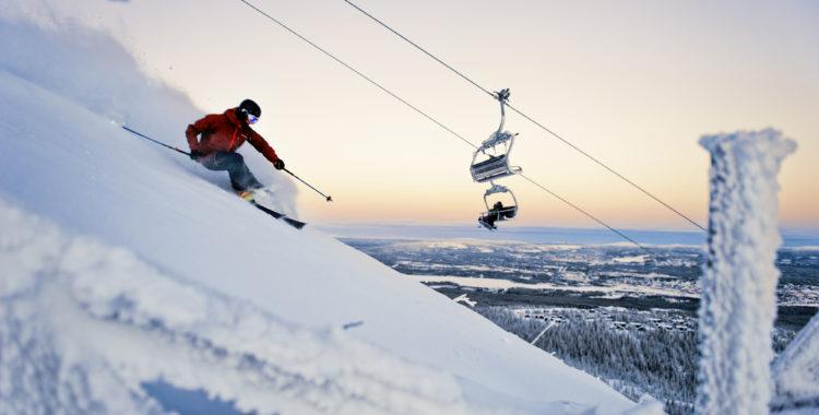 De svenska skidorterna behöver inte stänga på grund av coronakrisen, meddelade Folkhälsomyndigheten idag. Dundret i Gällivare kan därmed fortsätta vintern ut och ha öppet under påsk.