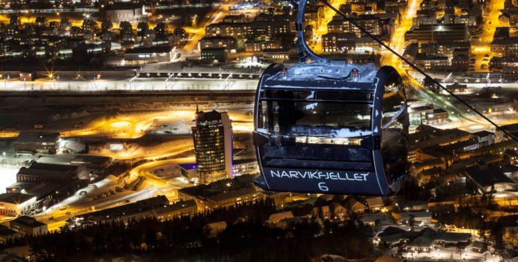 Narvikfjellt fick nya läckra gondoler förra vintern, skidorten bjuder på 889 fallhöjdsmeter grym skidåkning med både stads och fjordutsikt.