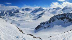 Österrike stänger sina skidorter november ut