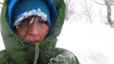 Höll på att dö i en lavin i Kittelfjäll, nu forskar hon i ämnet
