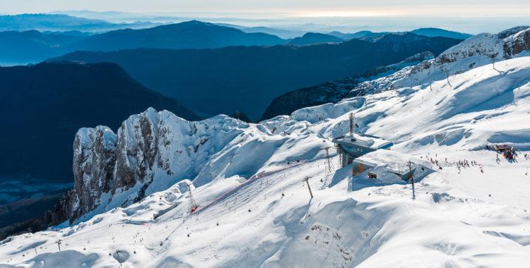 Skidorten Kanin ligger i nordvästra Slovenien nära gränsen mot Italien, tja Kanin sitter tom ihop med en italiensk skidort.