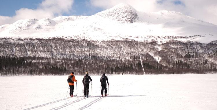 Sjön över till Daevnie tillsammans med Sebastian Viklund på Kittelfjäll Adventure
