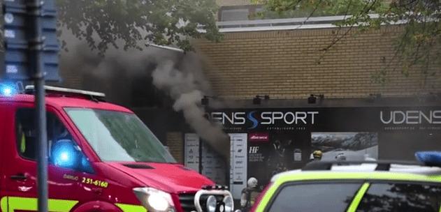 Klassiska skidaffären Udéns sport i Göteborg blev brandskadad efter explosionen igår morse. Butiken är stängd tills vidare.