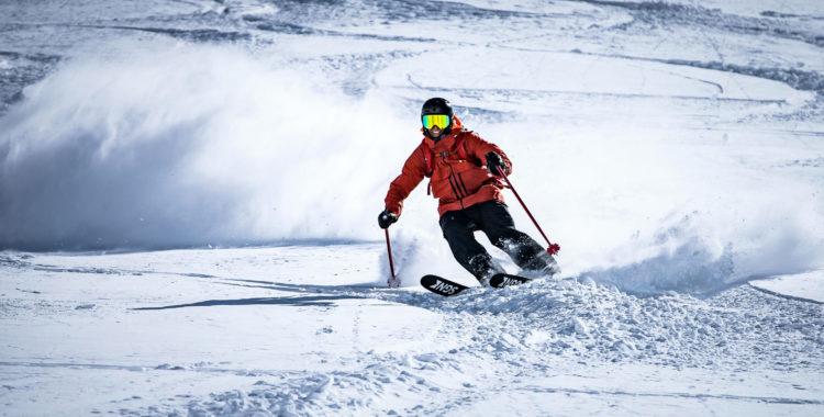 Nysnö och bra väder vill vi ha på skidsemstern, här några sköna svängar i Österrike.