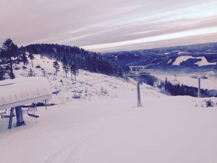 Den nya liften Medvinden i ett snöigt Branäs.