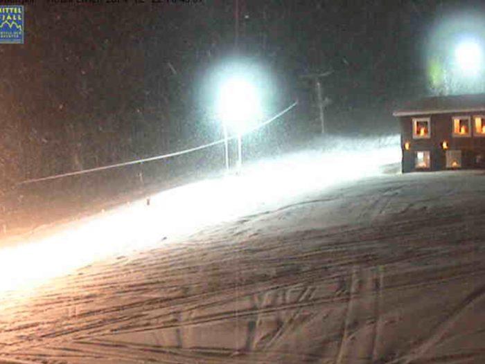 Jag ser det snöar i Kittel..