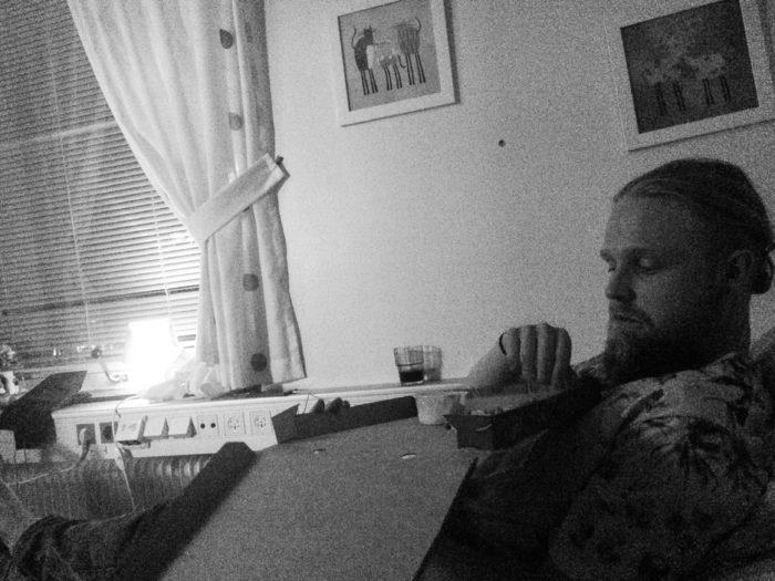 Efter en lång och förjävlig dag på Mölndals akutmottagning fick vi tillslut komma till ett eget rum på Sahlgrenska. Pizza & movie